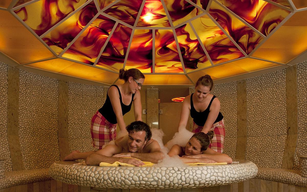 hamam romantik und wellnesshotel deimann in 57392 schmallenberg winkhausen. Black Bedroom Furniture Sets. Home Design Ideas