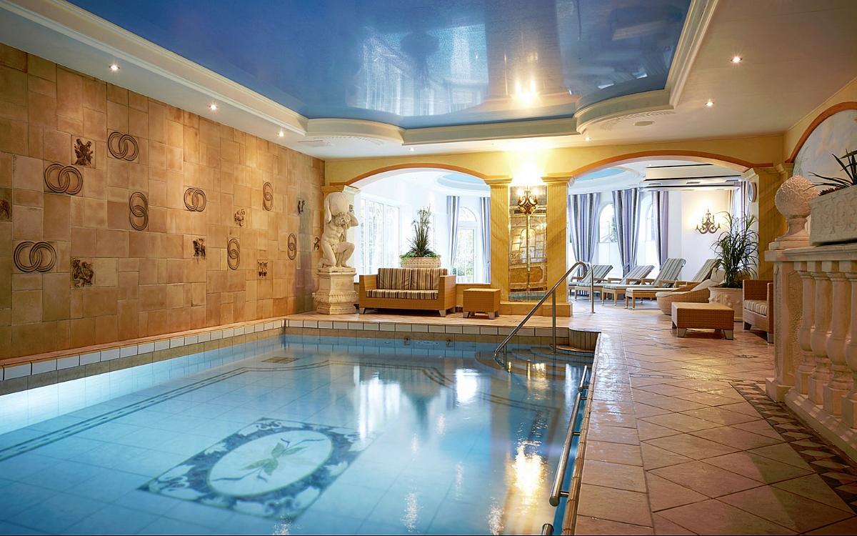 Einrichtung im g bel s landhotel willingen hessen for Hotel mit whirlpool im zimmer hessen