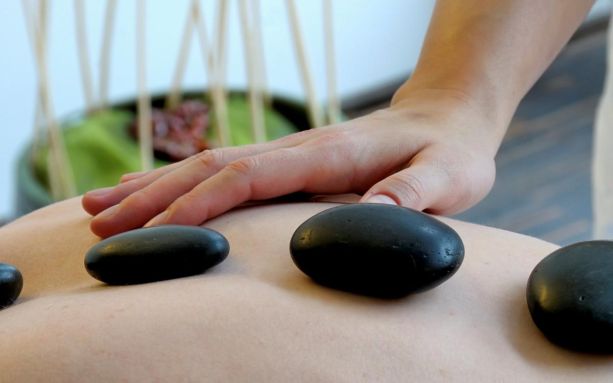 ... Hot Stone Massage   Hotel An Der Therme Bad Orb In 63619 Bad Orb
